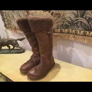 Rare UGG Locarno Bomber Boots FIRM